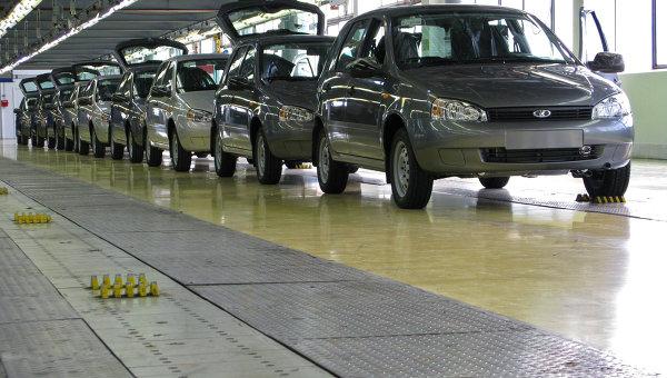 продажи Автоваза выросли на 25 процентов в феврале 2013 года